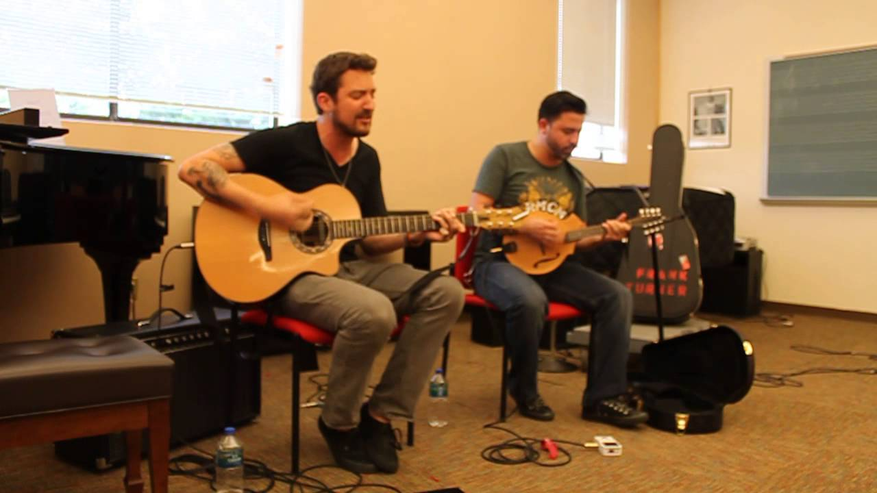 A-SIDES WITH JON CHATTMAN: ROCKER FRANK TURNER IN A WHITE PLAINS CLASSROOM