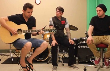 "OPENING ""PARACHUTES"" WITH HAWTHORNE HEIGHTS"